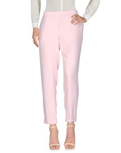 Фото - Повседневные брюки от P.A.R.O.S.H. розового цвета