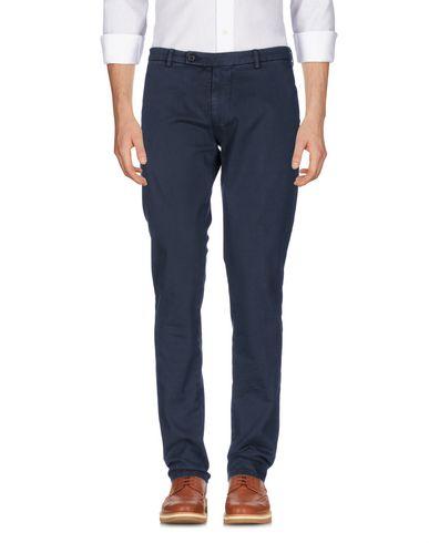 Фото - Повседневные брюки от BERWICH темно-синего цвета