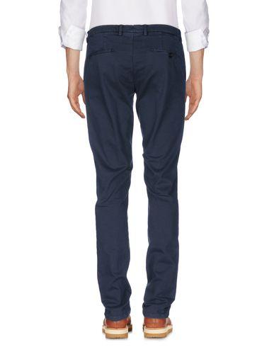 Фото 2 - Повседневные брюки от BERWICH темно-синего цвета