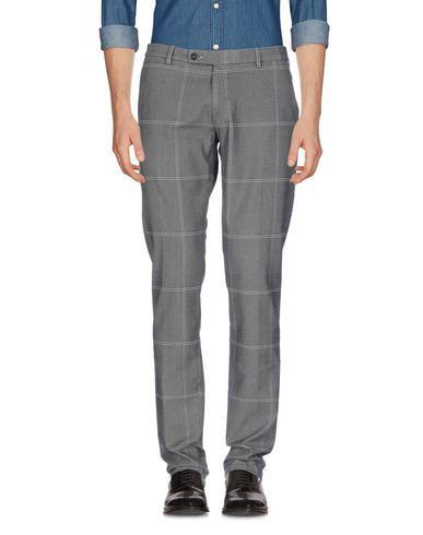 Фото - Повседневные брюки от BERWICH серого цвета