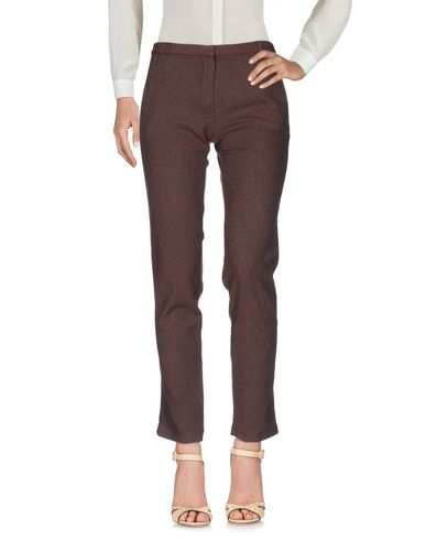 Фото - Повседневные брюки коричневого цвета