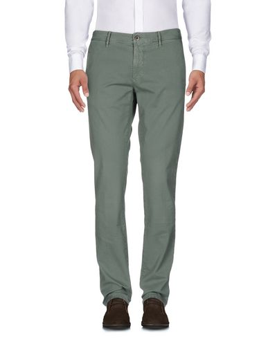 Фото - Повседневные брюки от INCOTEX зеленого цвета
