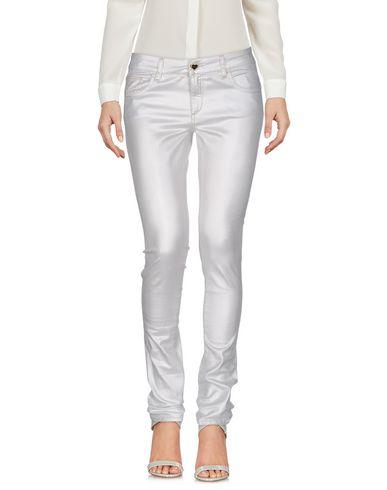 Фото - Повседневные брюки от TWIN-SET JEANS светло-серого цвета