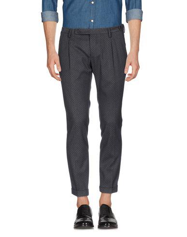 Фото - Повседневные брюки от MICHAEL COAL свинцово-серого цвета