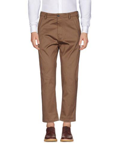 Фото - Повседневные брюки от LOW BRAND цвета хаки