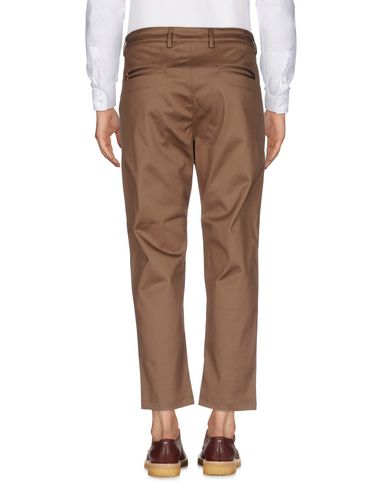 Фото 2 - Повседневные брюки от LOW BRAND цвета хаки