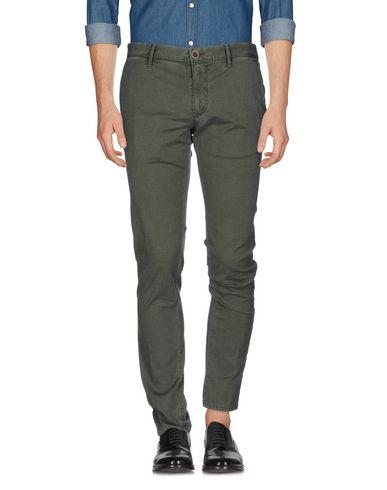 Купить Повседневные брюки от INCOTEX зеленого цвета