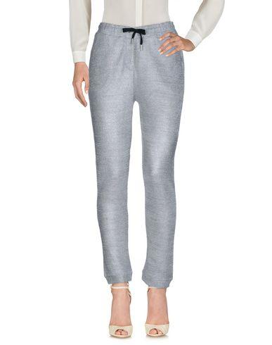 Фото - Повседневные брюки серебристого цвета