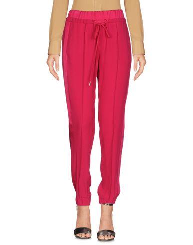 Фото - Повседневные брюки от VDP CLUB цвет пурпурный