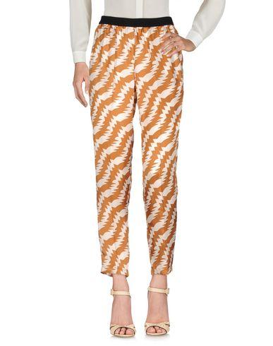 Фото - Повседневные брюки от JUCCA коричневого цвета