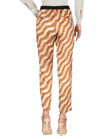 Фото 2 - Повседневные брюки от JUCCA коричневого цвета