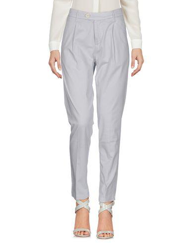 Купить Повседневные брюки от OAKS светло-серого цвета