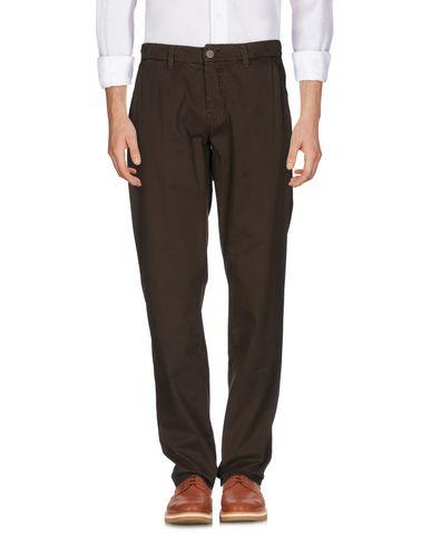 Фото - Повседневные брюки от LIU •JO MAN коричневого цвета