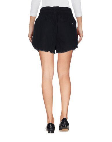 Фото 2 - Повседневные шорты черного цвета