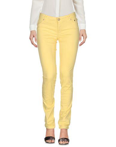 Купить Повседневные брюки от SIVIGLIA желтого цвета