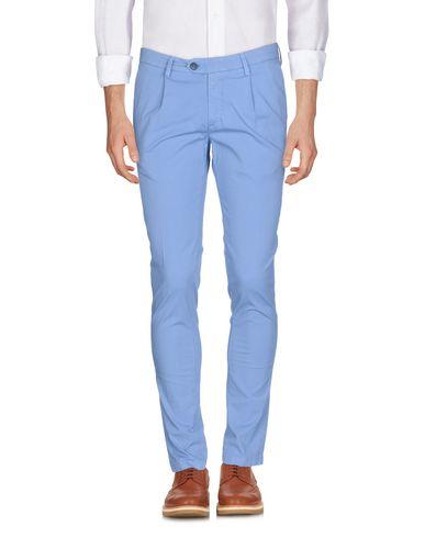 Фото - Повседневные брюки от P. LANGELLA лазурного цвета