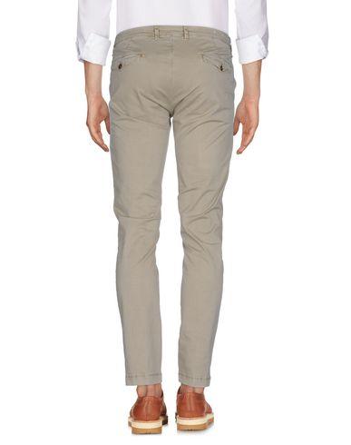 Фото 2 - Повседневные брюки от BRIGLIA 1949 бежевого цвета