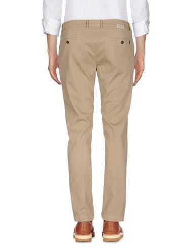 Фото 2 - Повседневные брюки от MAISON CLOCHARD цвет песочный