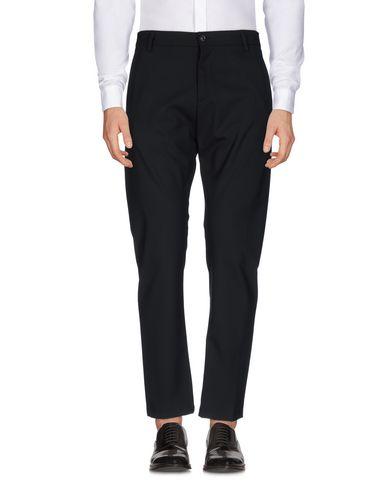 Фото - Повседневные брюки от OFFICINA 36 черного цвета
