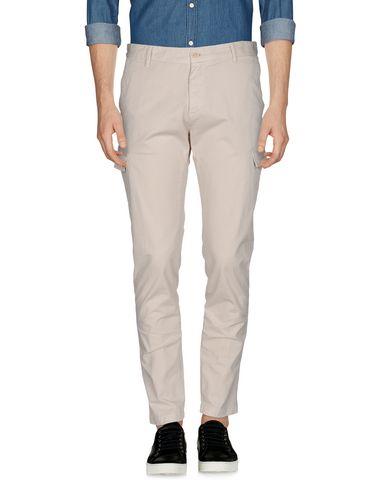 Фото - Повседневные брюки от OFFICINA 36 бежевого цвета