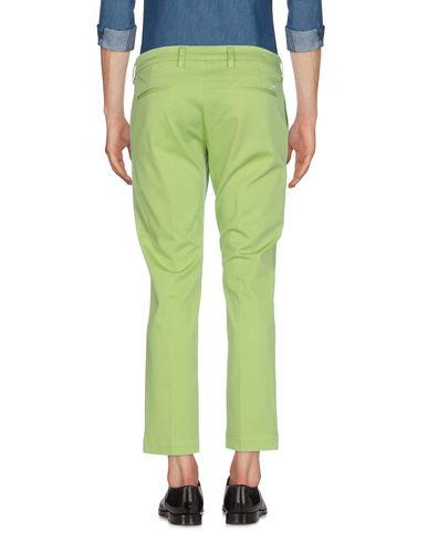 Фото 2 - Повседневные брюки от ENTRE AMIS зеленого цвета