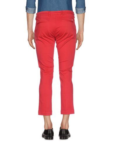 Фото 2 - Повседневные брюки от ENTRE AMIS красного цвета