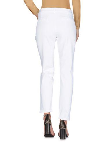 Фото 2 - Повседневные брюки от FAY белого цвета
