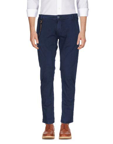 Фото - Повседневные брюки от MODFITTERS темно-синего цвета