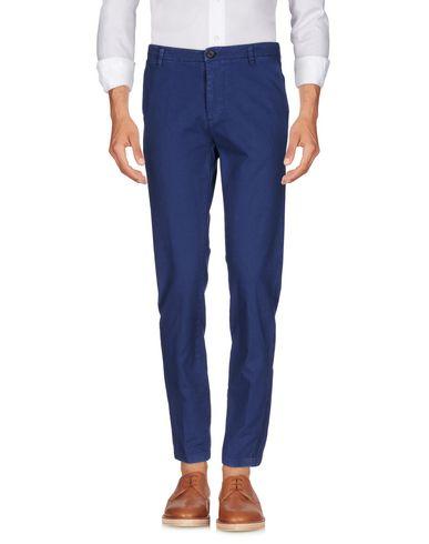 Фото - Повседневные брюки от INDIVIDUAL синего цвета