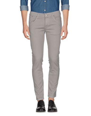 Фото - Повседневные брюки серого цвета