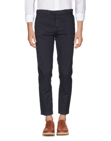 Фото - Повседневные брюки от HAIKURE темно-синего цвета