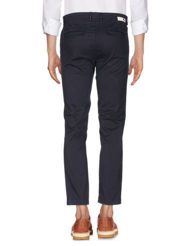 Фото 2 - Повседневные брюки от HAIKURE темно-синего цвета