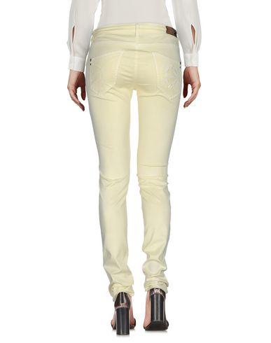 Фото 2 - Повседневные брюки светло-желтого цвета