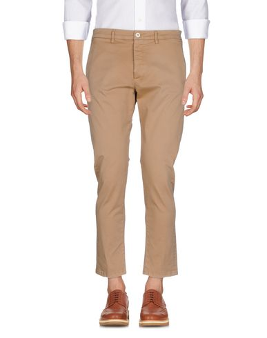 Фото - Повседневные брюки цвет верблюжий