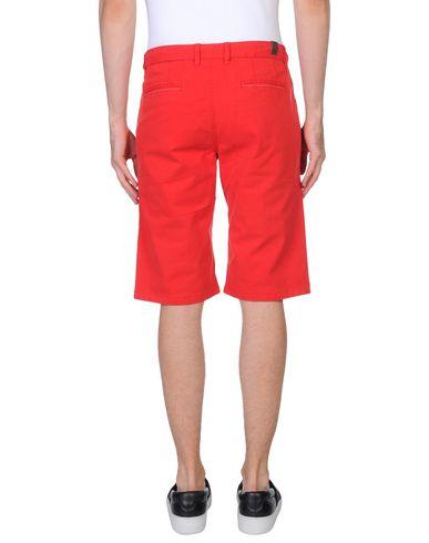 Фото 2 - Мужские бермуды PEUTEREY красного цвета