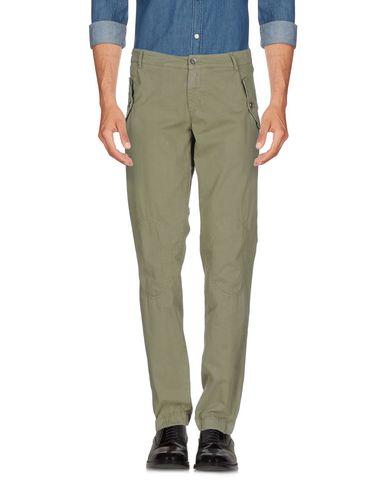Фото - Повседневные брюки от 40WEFT светло-зеленого цвета