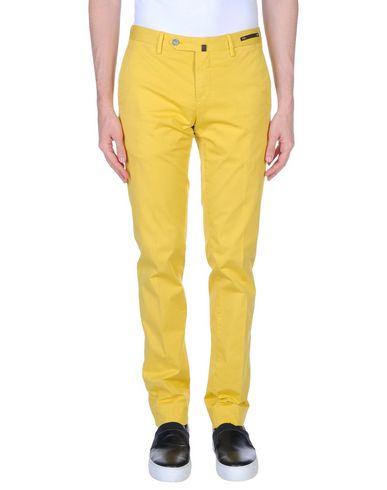 Фото - Повседневные брюки от PT01 желтого цвета