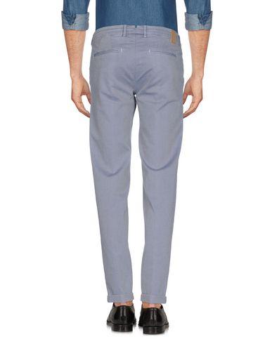Фото 2 - Повседневные брюки от MICHAEL COAL светло-серого цвета