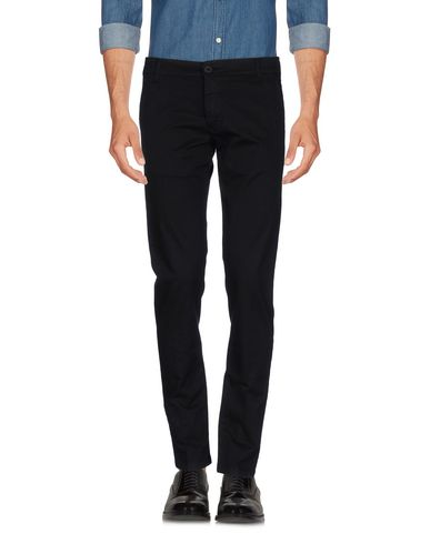 Фото - Повседневные брюки от OUTFIT черного цвета