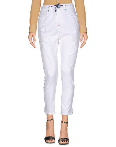 Купить Повседневные брюки от BERNA белого цвета