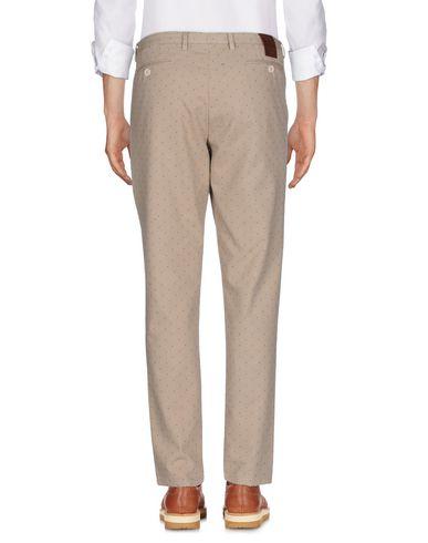Фото 2 - Повседневные брюки от VICTOR COOL цвет песочный