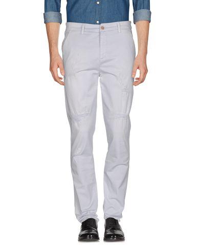 Фото - Повседневные брюки от LIU •JO MAN светло-серого цвета