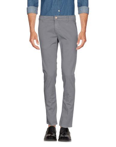 Фото - Повседневные брюки от ENTRE AMIS серого цвета