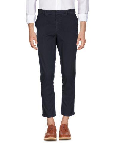 Фото - Повседневные брюки от THE EDITOR темно-синего цвета