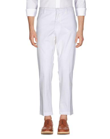 Фото - Повседневные брюки от THE EDITOR белого цвета