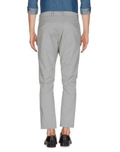 Фото 2 - Повседневные брюки от MACCHIA J светло-серого цвета