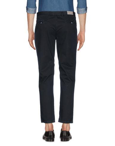 Фото 2 - Повседневные брюки от BASICON черного цвета