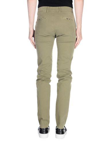 Фото 2 - Повседневные брюки от 9.2 BY CARLO CHIONNA зеленого цвета