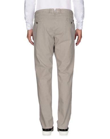 Фото 2 - Повседневные брюки от INCOTEX светло-серого цвета