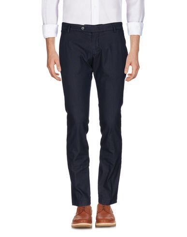 Фото - Повседневные брюки от MICHAEL COAL грифельно-синего цвета